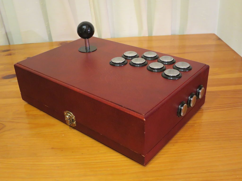 Finished arcade stick.
